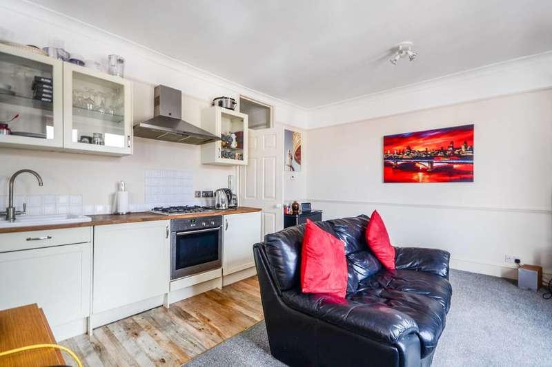 1 Bedroom Flat for sale in Richmond Road, East Twickenham, TW1