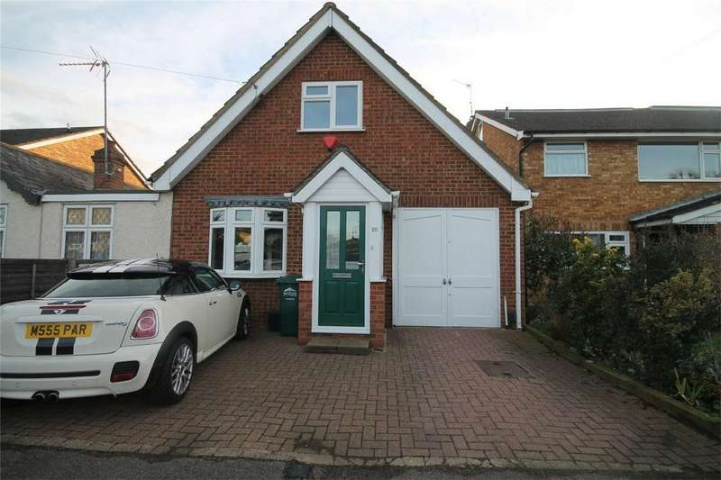 3 Bedrooms Detached House for sale in Ethel Road, Ashford, Surrey