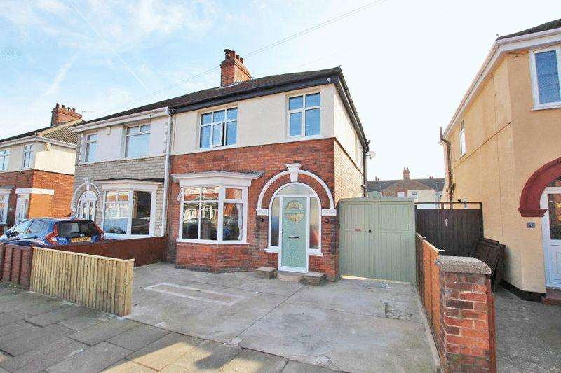 3 Bedrooms Semi Detached House for sale in TENNYSON ROAD, CLEETHORPES