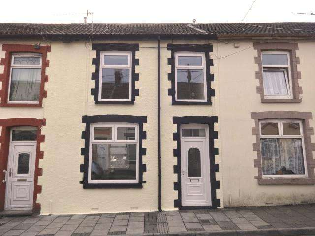 3 Bedrooms Terraced House for rent in Charles Street, Trealaw, Tonypandy