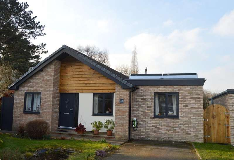 4 Bedrooms Detached Bungalow for sale in 42 Stretton Farm Road, Church Stretton SY6