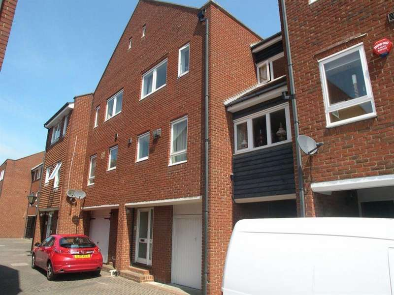 3 Bedrooms House for rent in Aynsley Court, Strand Street, Sandwich