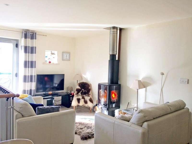 2 Bedrooms Town House for sale in 9 Mill Lane, Skipton,