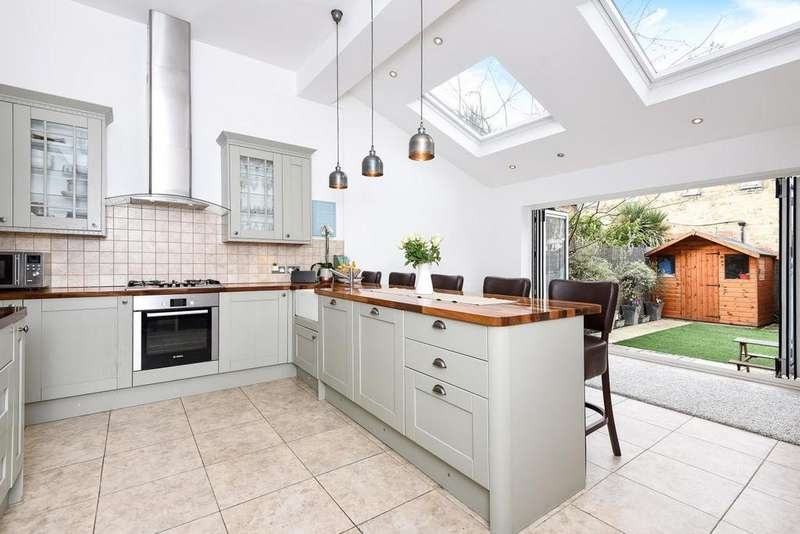 4 Bedrooms Terraced House for sale in Ravensbury Road, Earlsfield