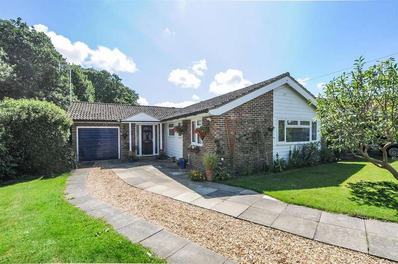 4 Bedrooms Detached Bungalow for sale in Truro Close, Chichester