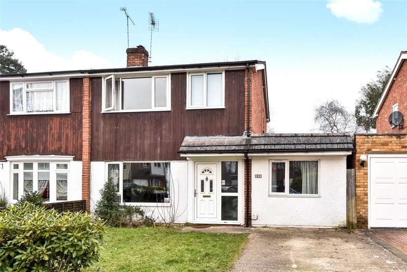 3 Bedrooms Semi Detached House for sale in Oak Avenue, Owlsmoor, Sandhurst, Berkshire, GU47