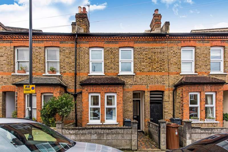 3 Bedrooms Property for sale in Mill Plat Avenue, Isleworth, TW7