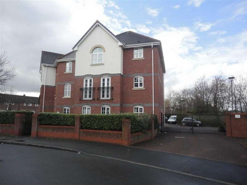 2 Bedrooms Flat for rent in Cromwell Avenue, Reddish