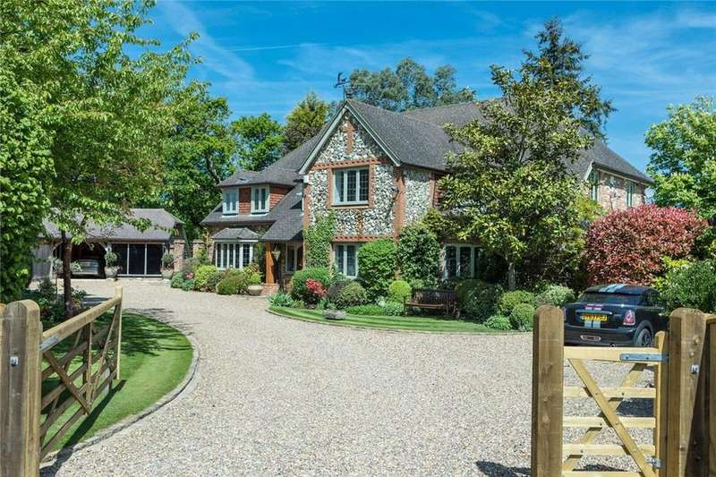 5 Bedrooms Detached House for sale in The Street, West Clandon, Guildford, Surrey, GU4