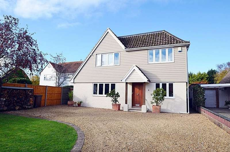 4 Bedrooms Detached House for sale in Aldwick Bay Estate, Nr Chichester, West Sussex