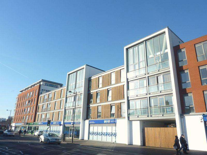 2 Bedrooms Flat for sale in Southchurch Road, Southend-On-Sea