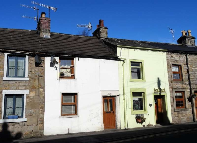 2 Bedrooms Cottage House for sale in Main Street, Bentham