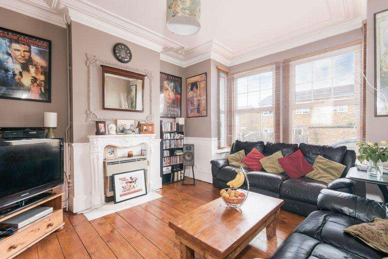 3 Bedrooms Terraced House for sale in Godfrey Hill, Woolwich