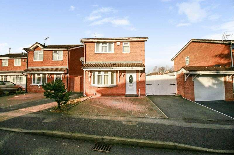 3 Bedrooms Property for sale in Swallowdale Drive, Leicester