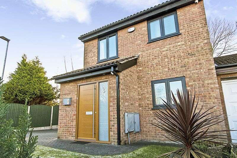 3 Bedrooms Property for sale in Jay Close, Warrington