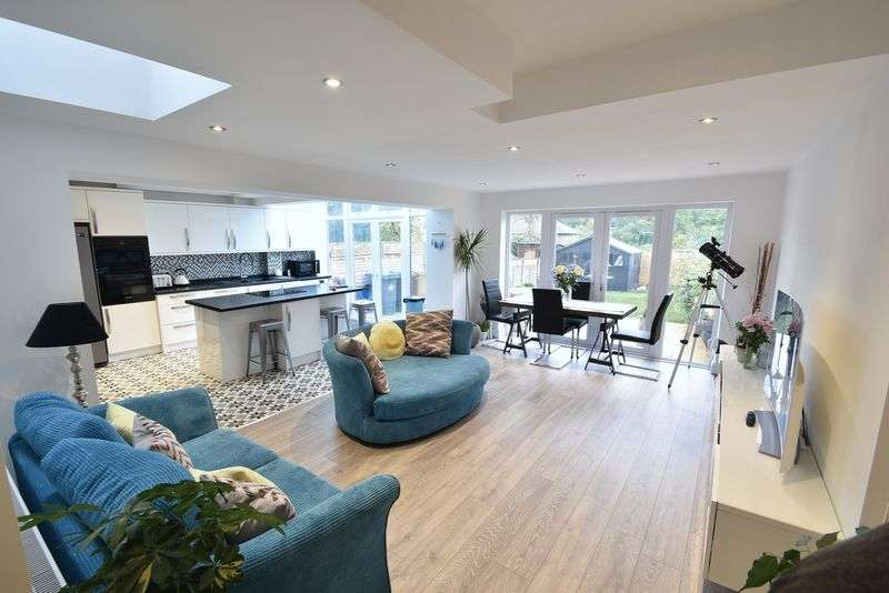 4 Bedrooms Property for sale in Park Terrace, Much Hadham