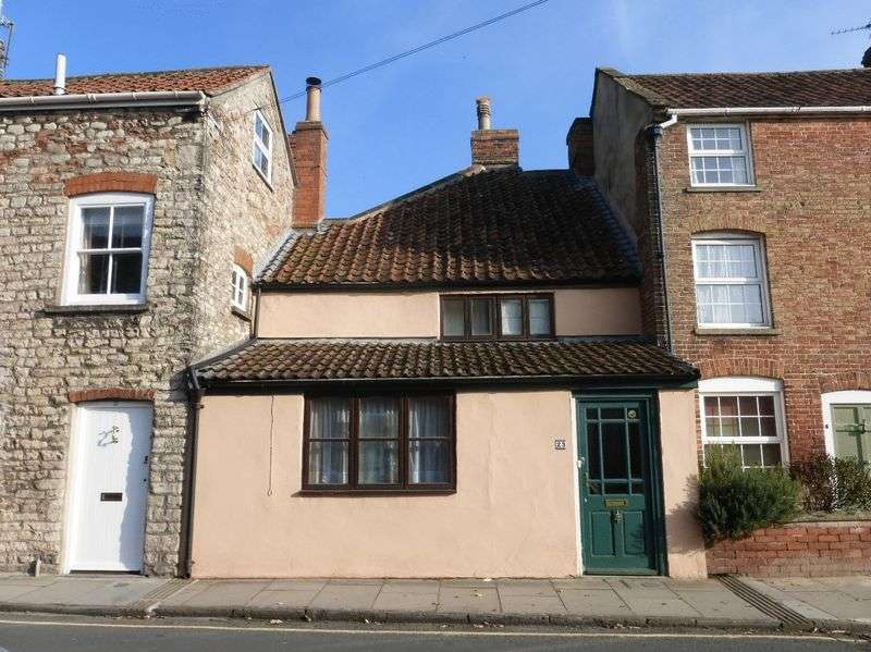 3 Bedrooms Property for sale in Southover, Wells