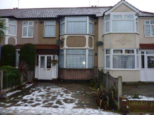 3 Bedrooms Terraced House for sale in Belgrave Avenue, Gidea Park