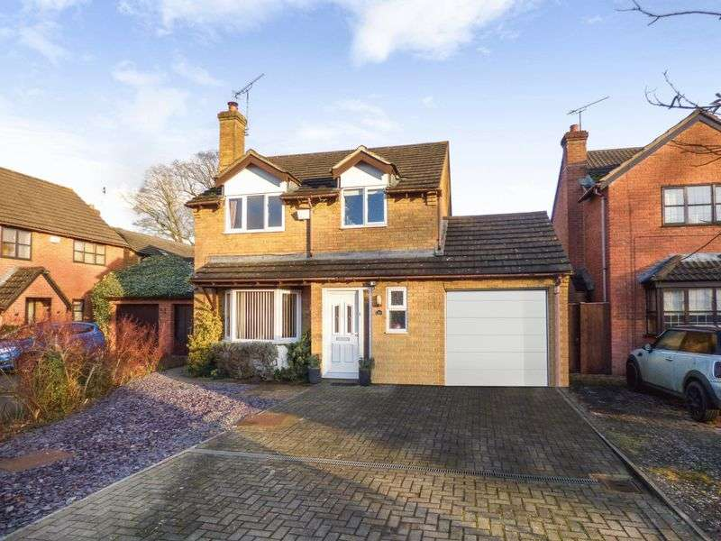 4 Bedrooms Property for sale in Sleaford Close, Swindon