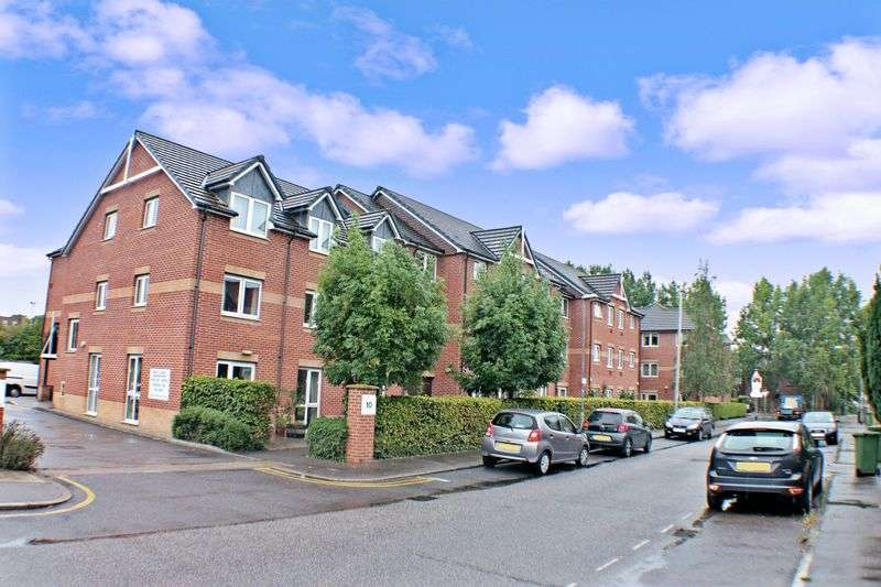 2 Bedrooms Property for sale in Conrad Court, Stanford-le-Hope, SS17 0JR
