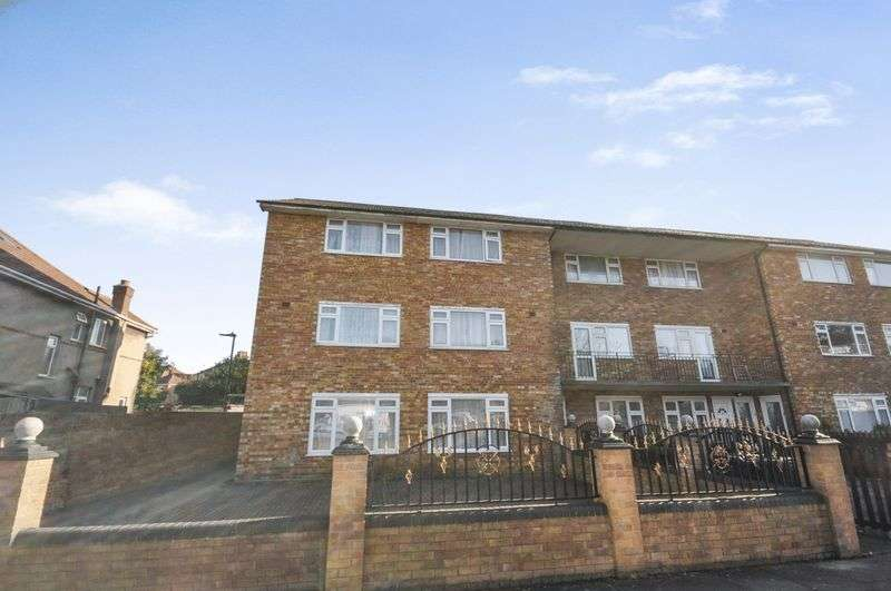 2 Bedrooms Property for sale in Longford Avenue, Southall