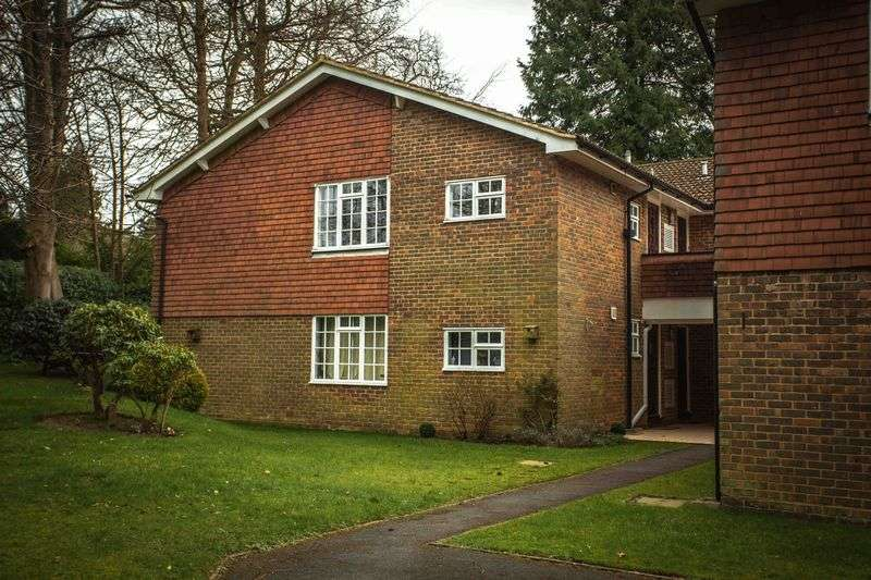1 Bedroom Property for sale in The Moorings, Hindhead