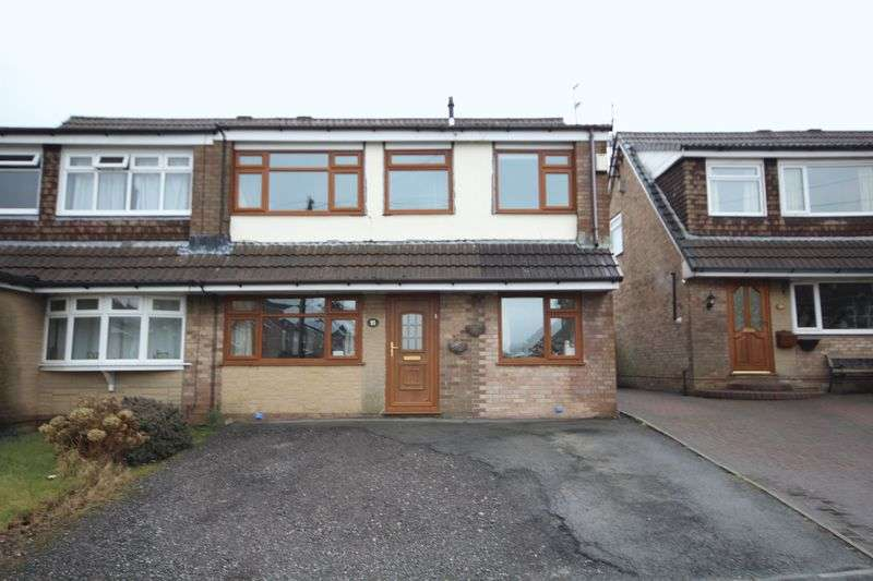 4 Bedrooms Property for sale in Elmsfield Avenue Norden, Rochdale