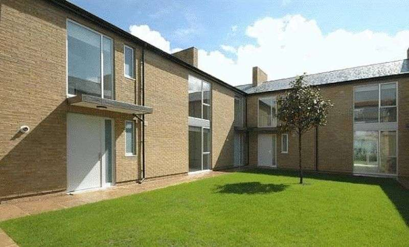 3 Bedrooms Property for rent in Amherst Road, Ealing, London, W13 8ND