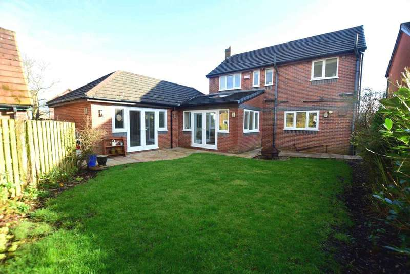 4 Bedrooms Detached House for sale in Bracken Drive, Freckleton