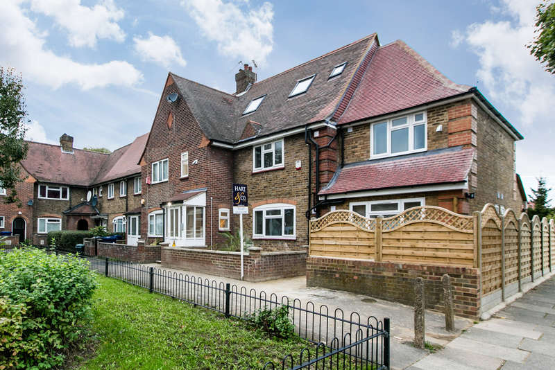 12 Bedrooms End Of Terrace House for sale in Old Oak Common Lane