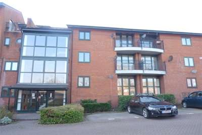 2 Bedrooms Flat for rent in Priory Wharf, Birkenhead