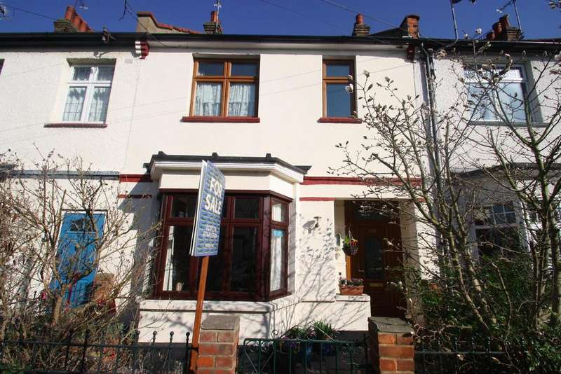 4 Bedrooms Terraced House for sale in Lymington Avenue, Leigh-On-Sea