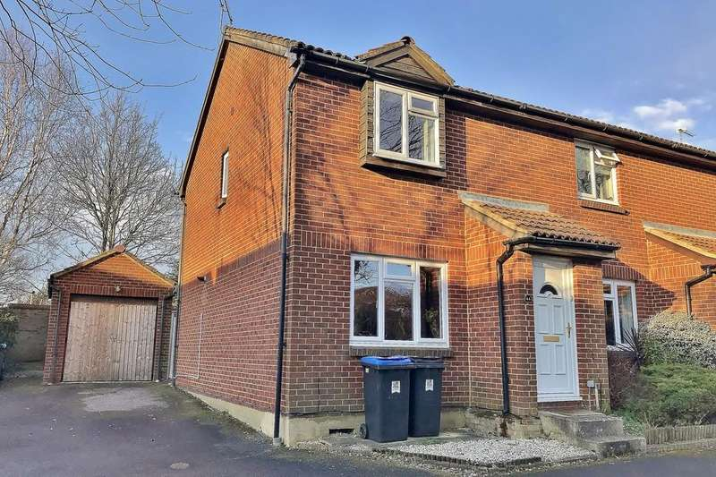 3 Bedrooms End Of Terrace House for sale in Woking, Surrey