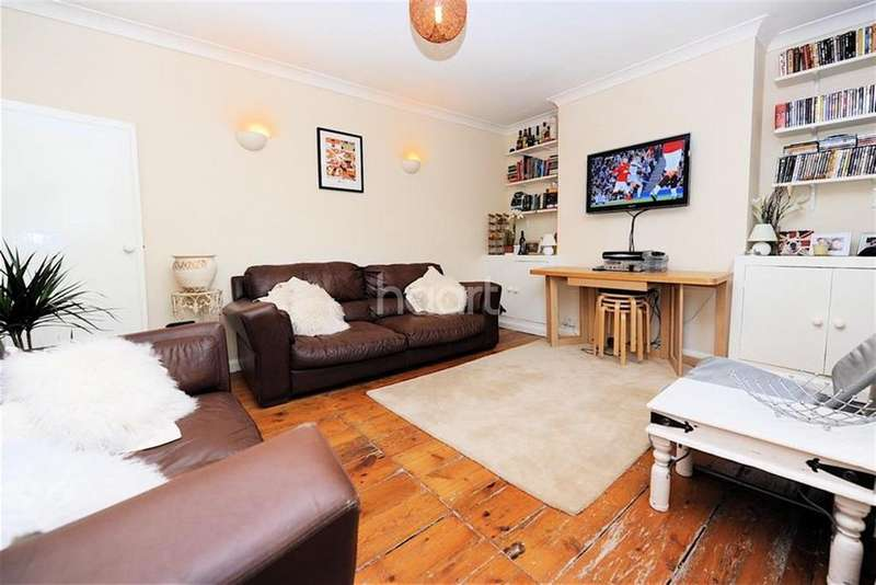 2 Bedrooms Flat for rent in Matrimony Place, SW8