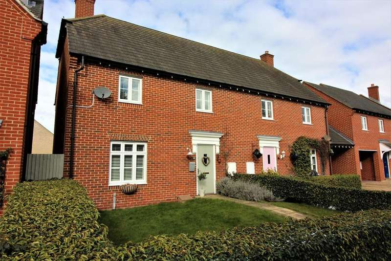 3 Bedrooms Semi Detached House for sale in Prince Edward Way, Stotfold, Hitchin, SG5