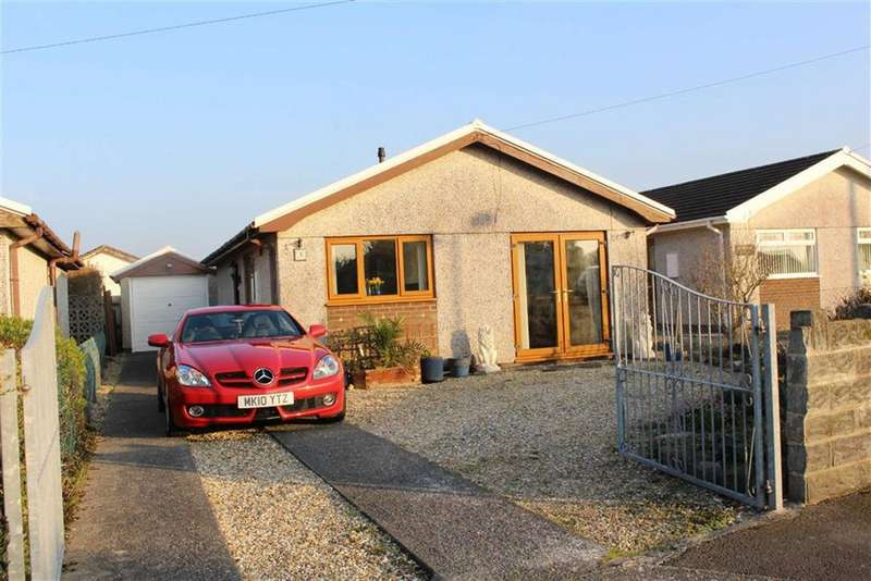 2 Bedrooms Detached Bungalow for sale in Salthouse Close, Crofty