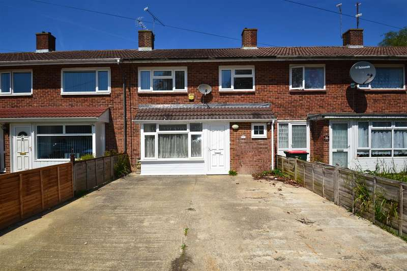 4 Bedrooms Terraced House for sale in Hogarth Road, Crawley