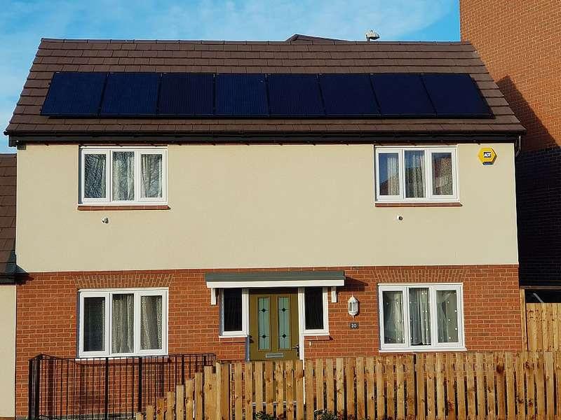 3 Bedrooms Semi Detached House for sale in Hazel Road, Nuneaton, Warwickshire, CV10