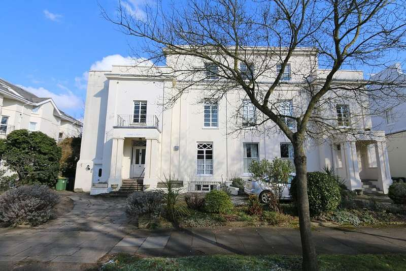 2 Bedrooms Flat for sale in Laurel Lodge, Wellington Square, Cheltenham, Gloucestershire, GL50 4JX