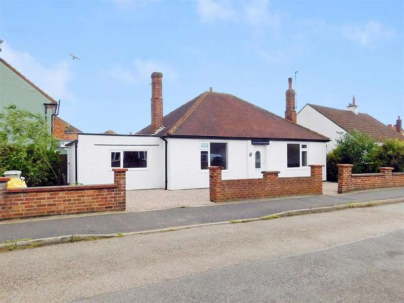 2 Bedrooms Detached Bungalow for sale in Lumley Crescent, Skegness, Lincs, PE25 2TL