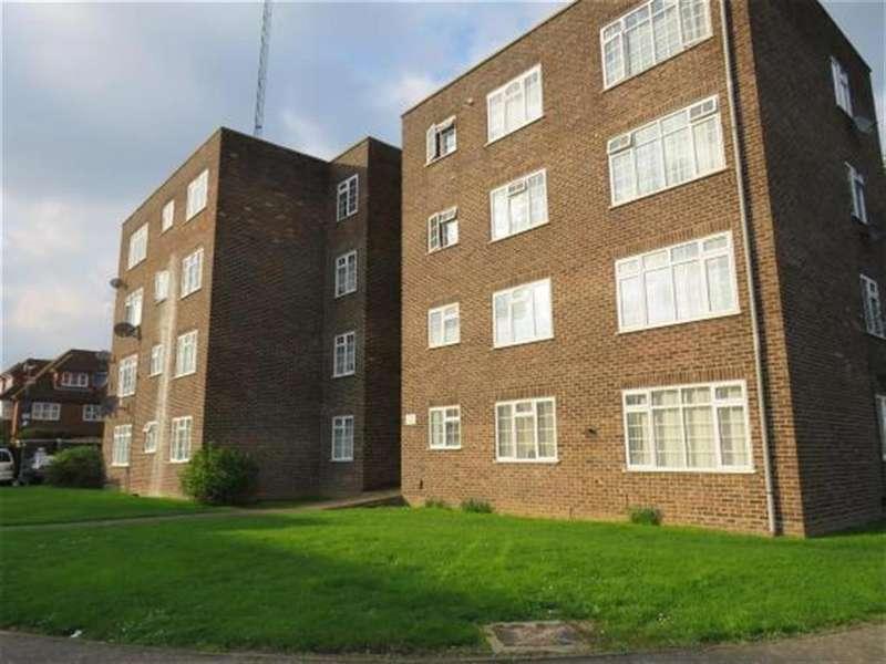 2 Bedrooms Flat for sale in Arborfield Close, Slough, Berkshire, SL1 2JP
