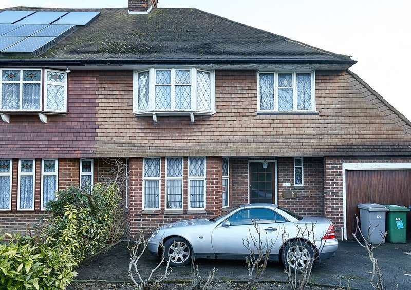 4 Bedrooms Semi Detached House for sale in Salmon Street, London, London, NW9