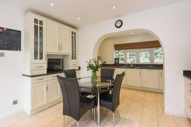 4 Bedrooms Detached House for sale in Briar Lane, West Wickham