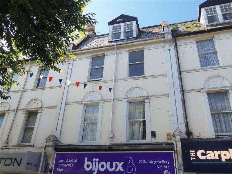3 Bedrooms Flat for rent in Victoria Street, Paignton