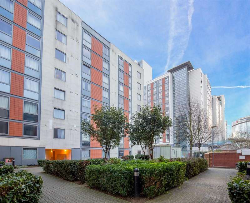 1 Bedroom Flat for sale in Block B Paragon Site , Boston Park Road , TW8 9RN