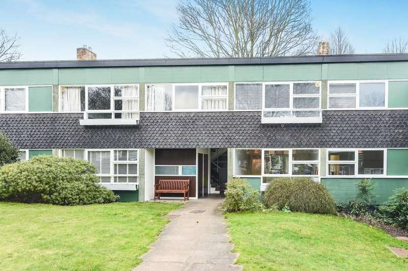 2 Bedrooms Flat for sale in Foxes Dale Blackheath SE3