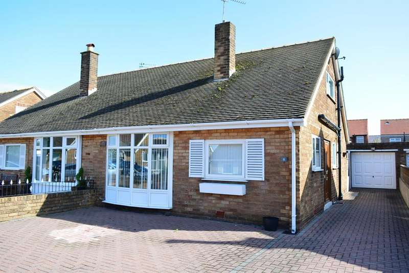 3 Bedrooms Semi Detached Bungalow for sale in Wyndham Gardens, South Shore, Blackpool, FY4 3NX