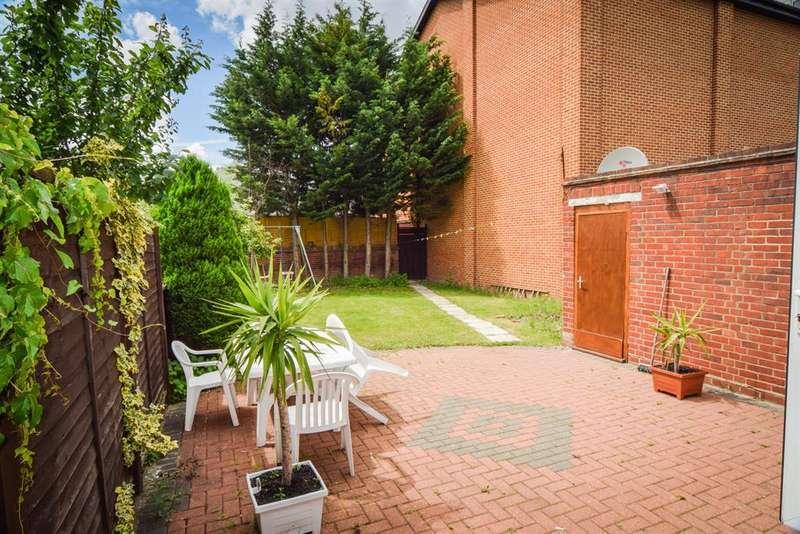3 Bedrooms Detached House for sale in Howard Road, New Malden, KT3