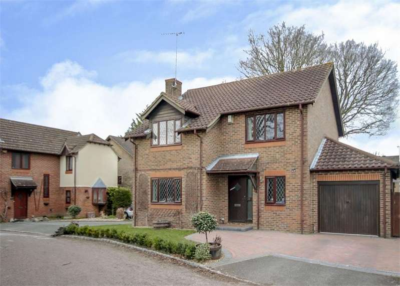 4 Bedrooms Detached House for rent in Sandford Down, The Warren, Bracknell, Berkshire