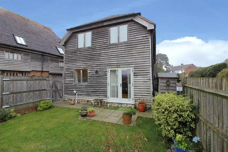 2 Bedrooms Semi Detached House for sale in TENTERDEN